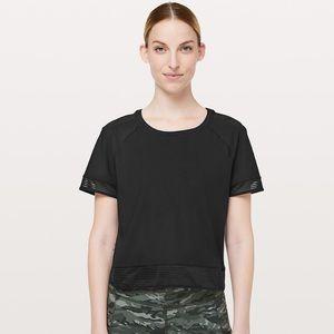 Lululemon In stride Tee Shirt
